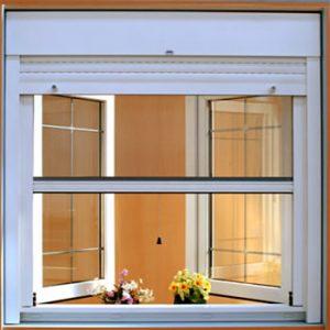 moskitiera rolowana okno biale