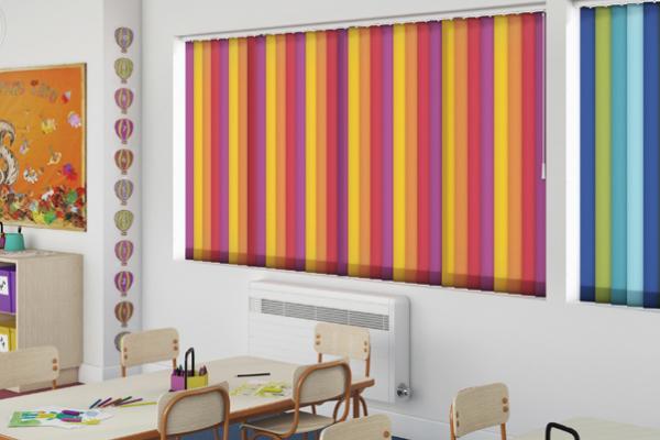 zaluzje pionowe kolorowe szkola klasa